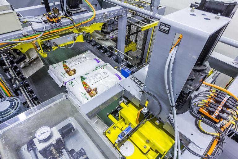 Packaging machine at Transterminal Dordrecht