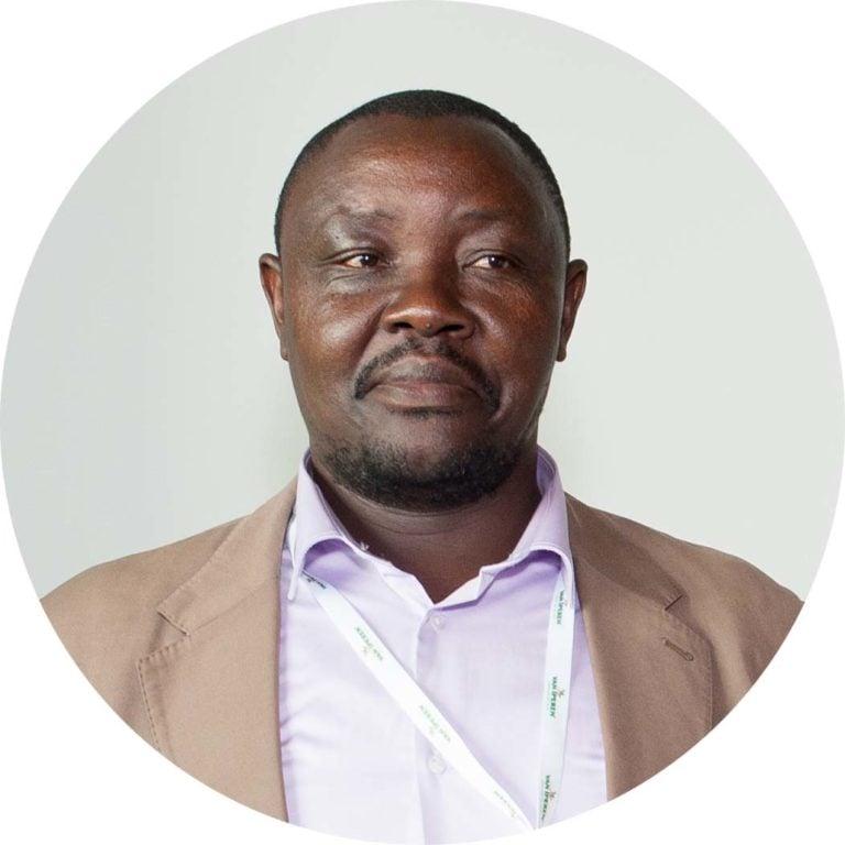 Desire Kemogne, Van Iperen partner in Cameroon